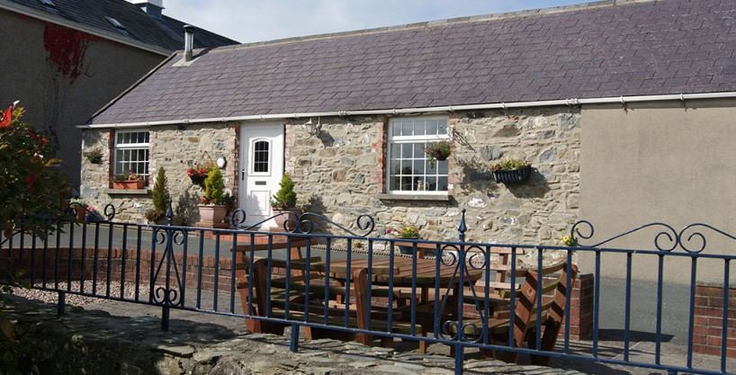 HorseWalk Cottage, Self Catering, Newcastle, Co Down