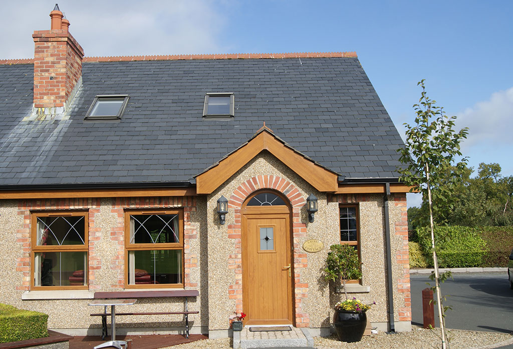Laurel Cottage, Self Catering, Newcastle, Co Down