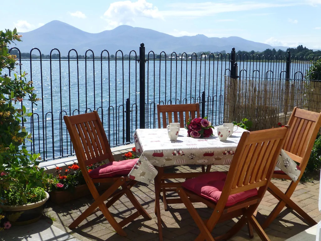 Water's Edge, 47 The Quay, Self catering, Dundrum, Co Down